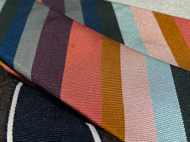 シルク100%ネクタイは手入れが大事